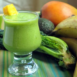 Creamy kale smoothie in glass (square)