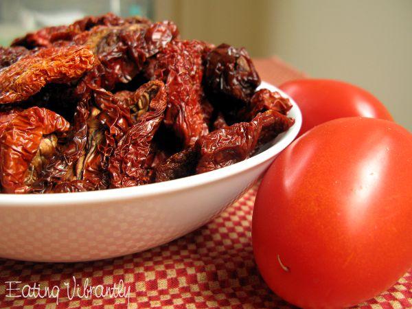 Raw tomato sauce ingredients
