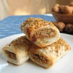 Vegan sausage rolls (square)