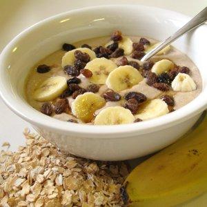Raw banana oatmeal porridge featured