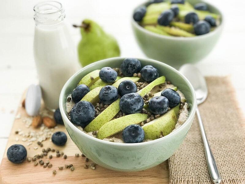 Blueberry Hemp Pear Porridge